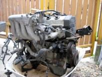Az új motor, egyenlőre még talicskában
